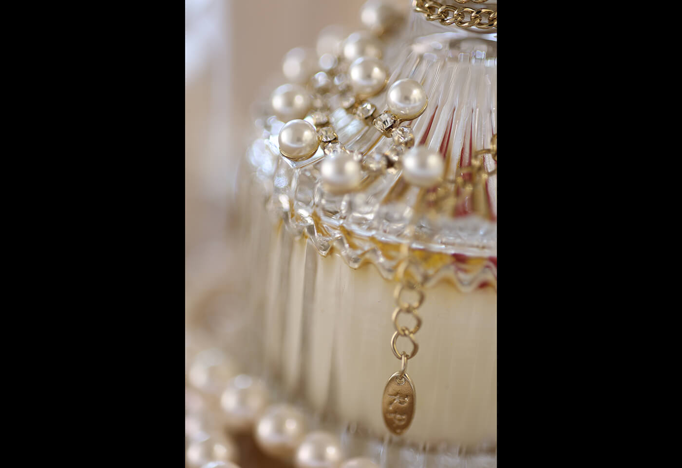 Close up shot of jewel details taken using RF 85mm f/2 Macro IS STM