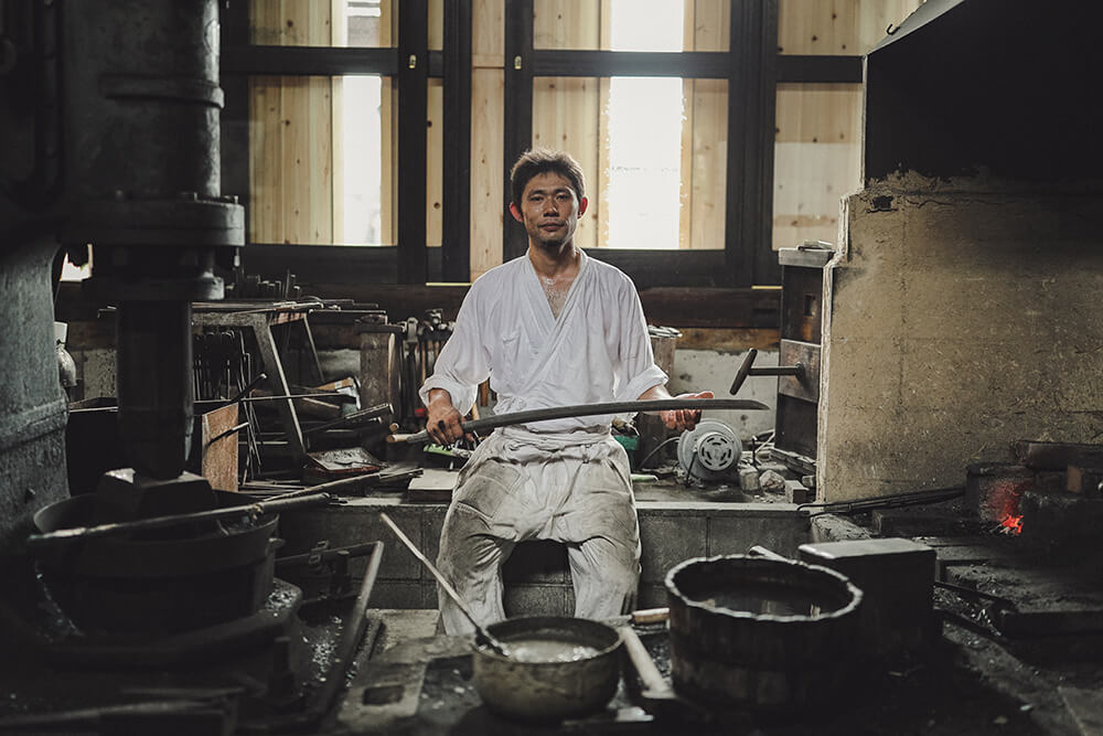 portrait of swordsmith Asano Taro, taken with the EOS R. Photo by Jarrad Seng