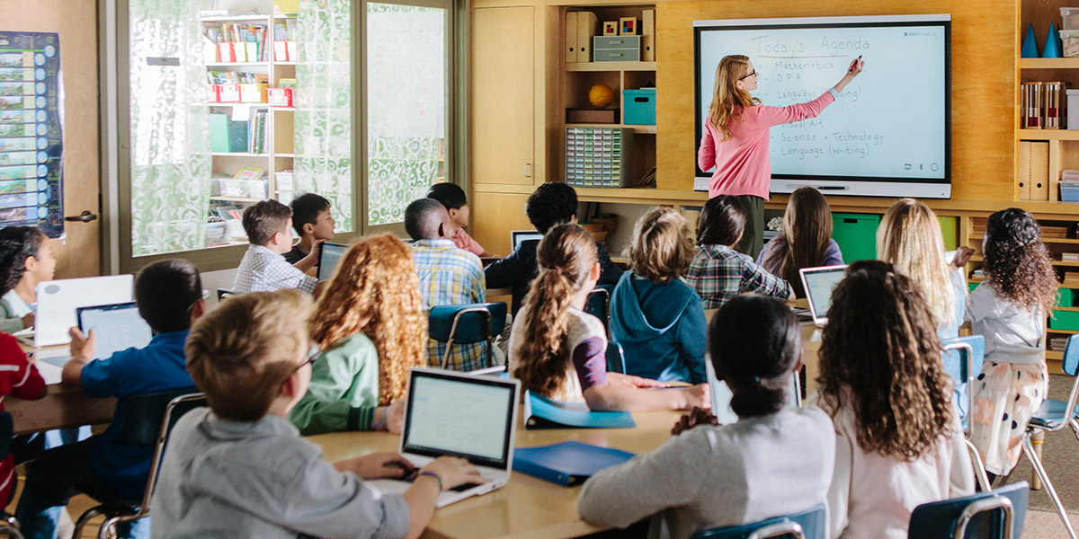 Classroom lesson delivery for distance learning
