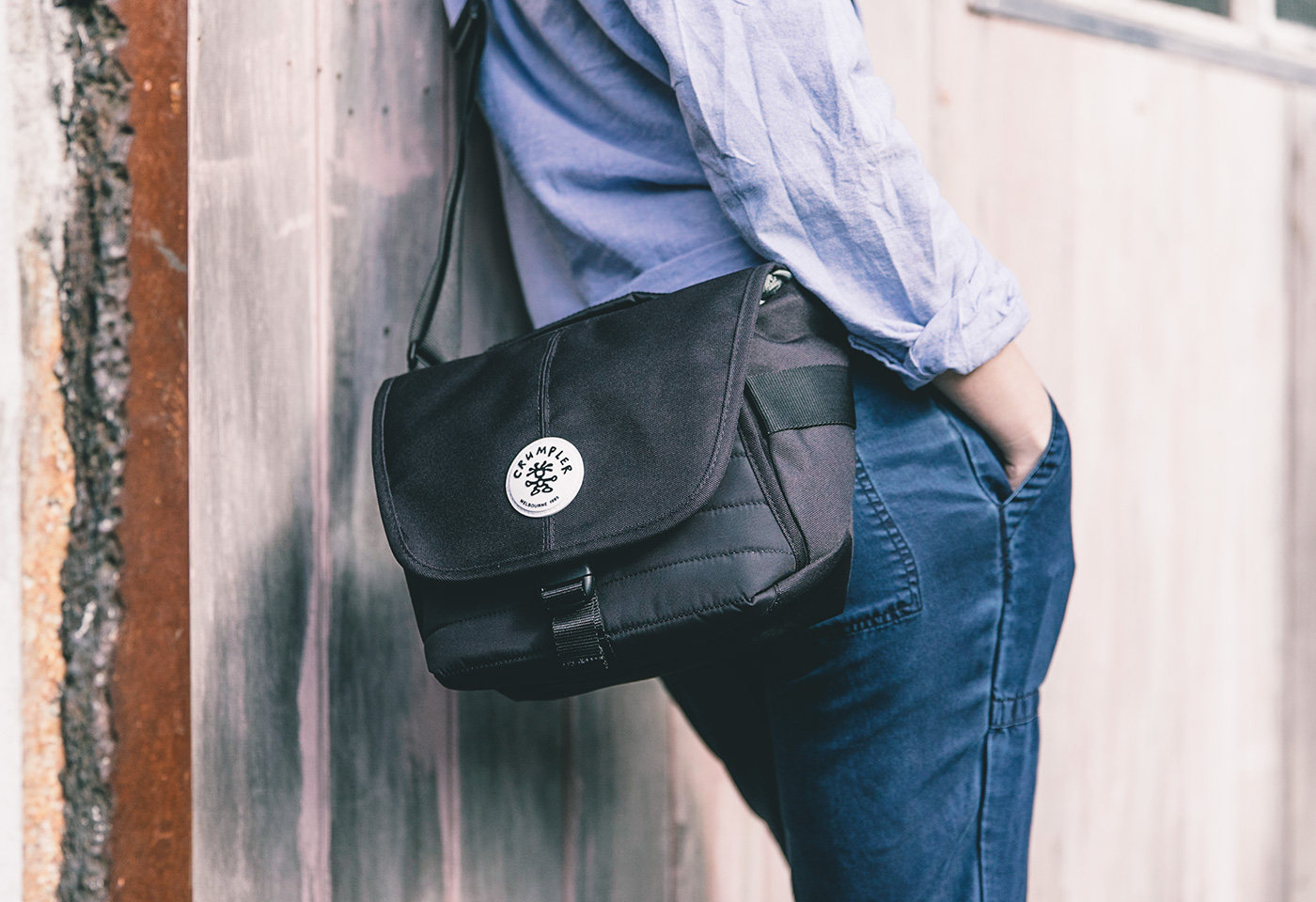 Crumpler 18 black bag