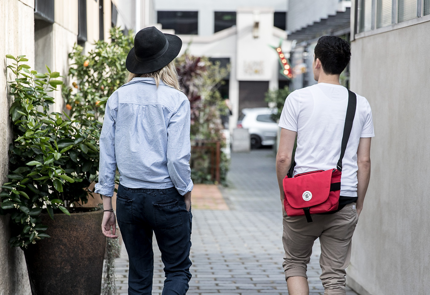 crumpler 21 couple alley